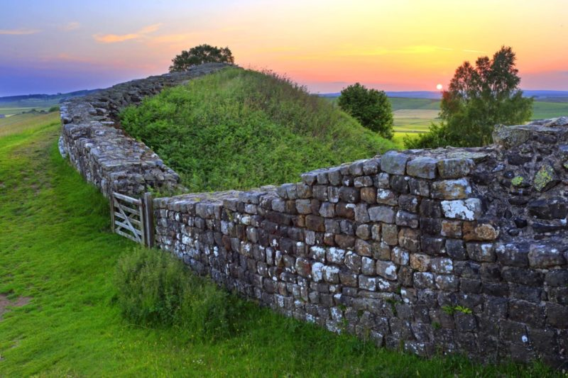 HW726D CAWFIELDS CRAGS HADRIAN'S WALL