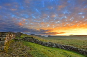 HW767.7 MILECASTLE 42 CAWFIELDS CRAGS HADRIAN'S WALL NORTHUMBERLAND