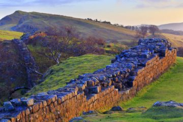 HW989X WALLTOWN CRAGS, HADRIAN'S WALL