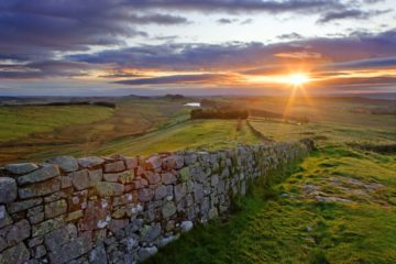 HW608D WINSHIELD CRAGS HADRIAN'S WALL